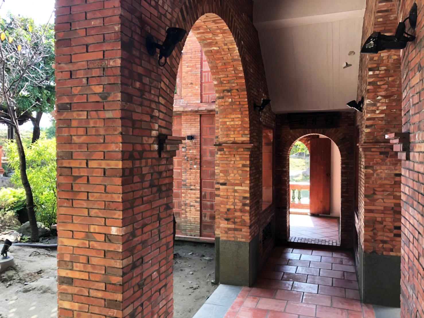 隨月閣的紅磚拱廊設計