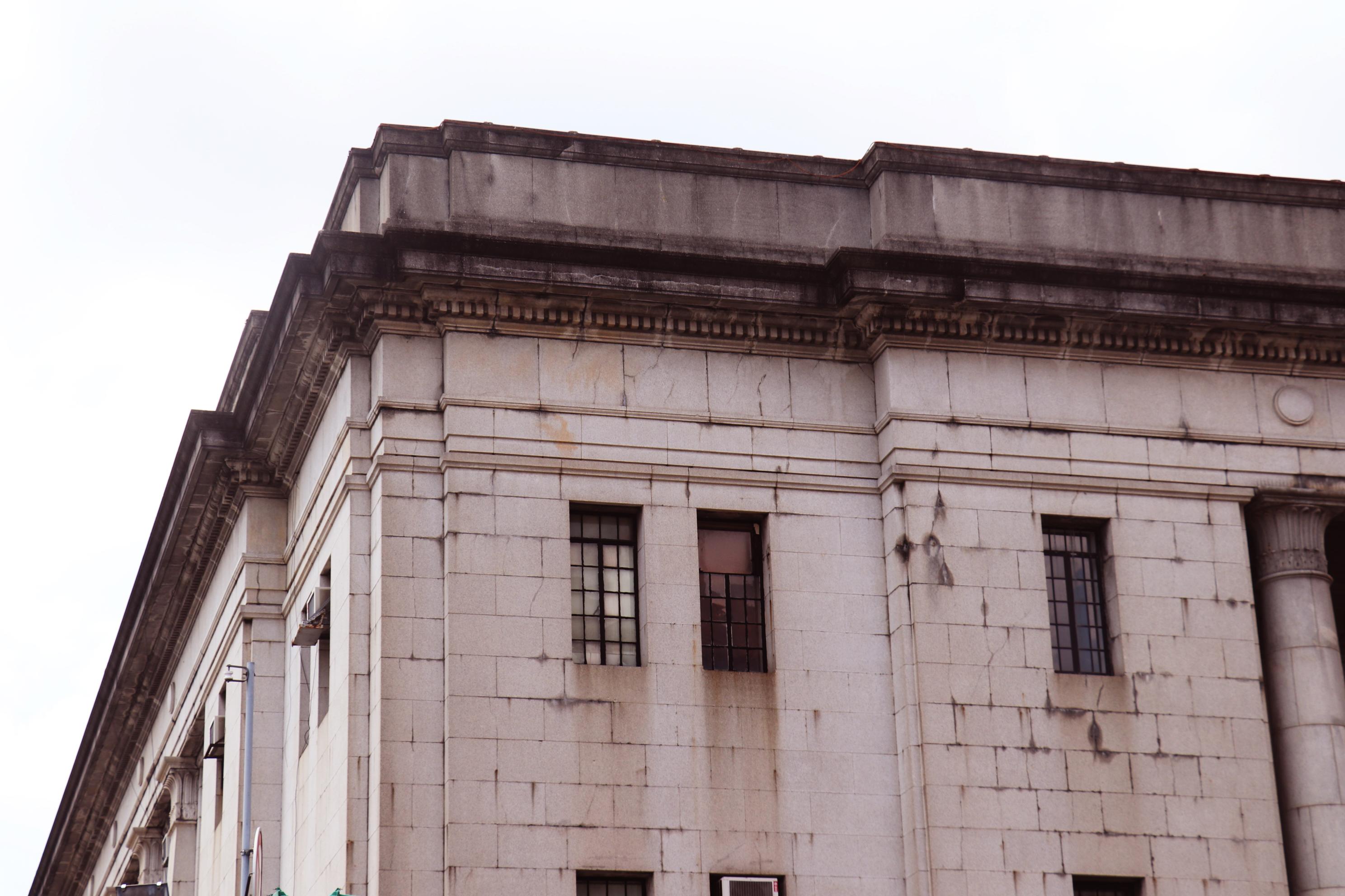 建築頂端外牆
