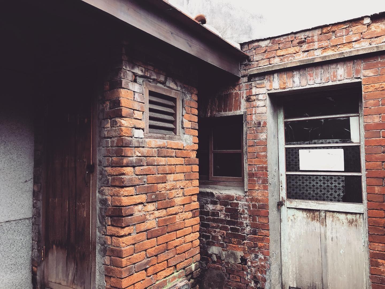 角落牆面的細節。